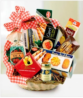Choose the size and contents of your gourmet gift basket.